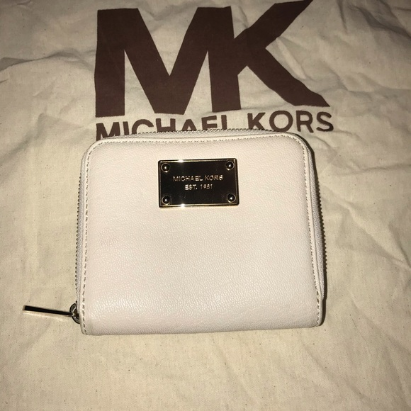 Michael Kors Handbags - Michael Kors zip around wallet